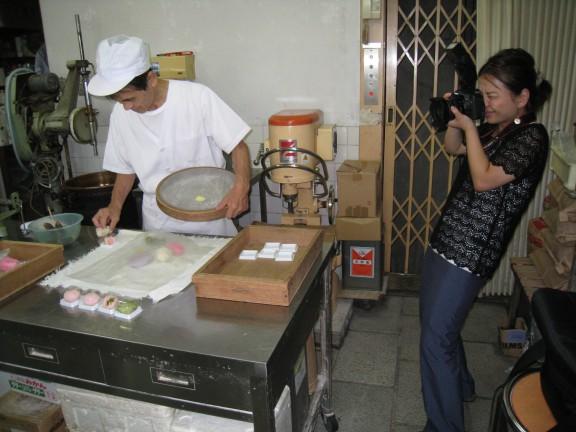 写真:和菓子作り