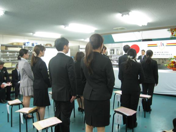 写真:入校式に望む新入生のみなさん